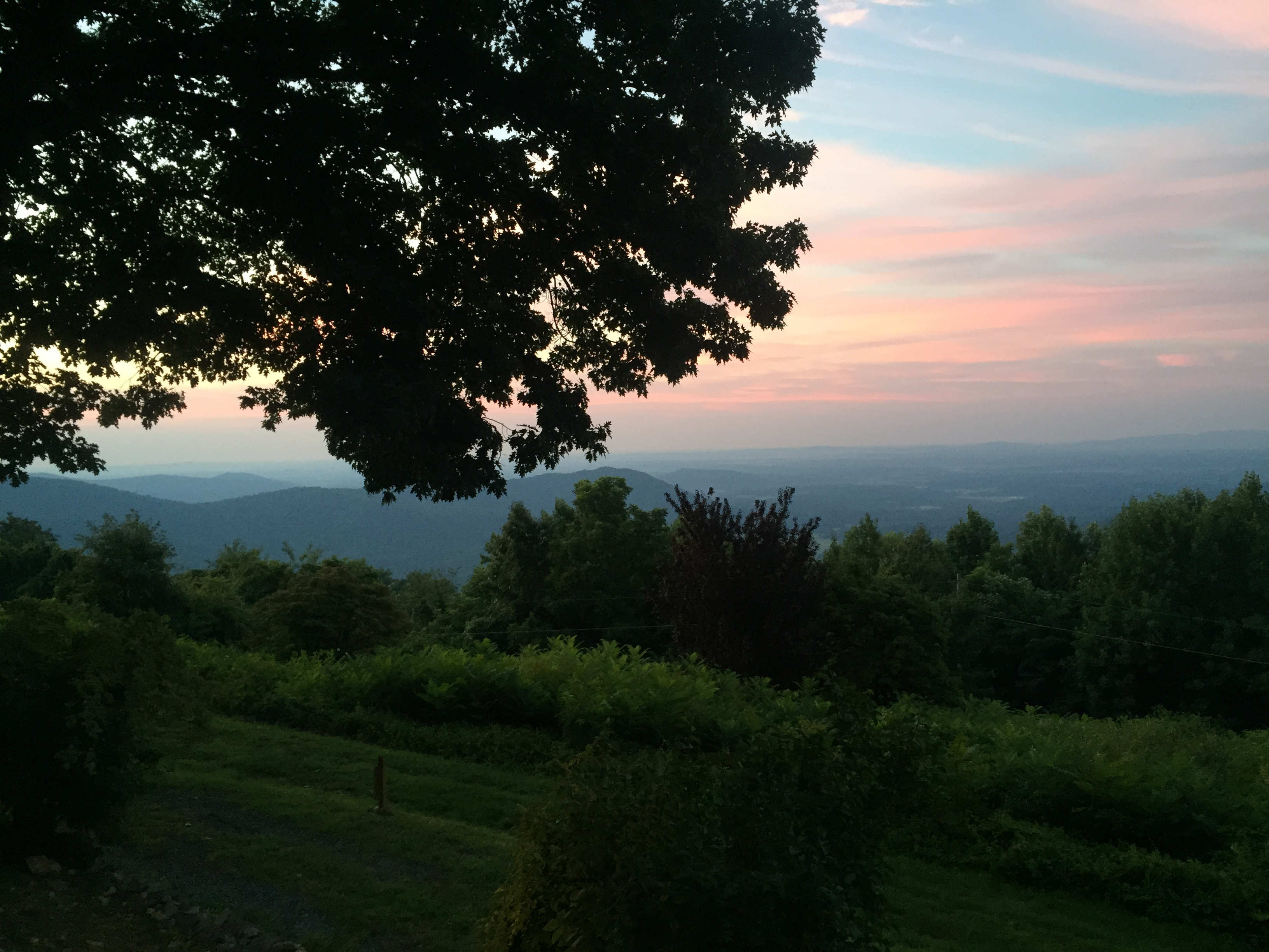 top things to do at Shenandoah see the sunrise